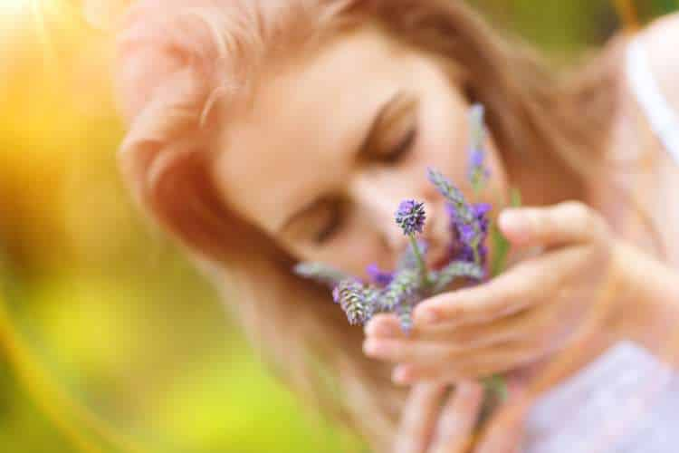 7 αρώματα που μπορούν να μειώσουν τα επίπεδα του στρες