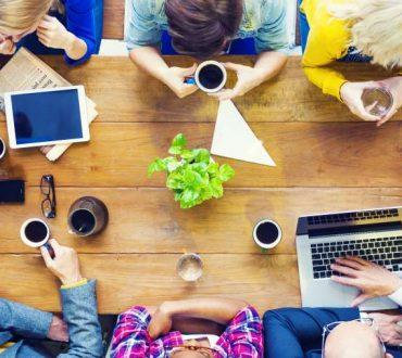 Εργασιακή ικανοποίηση: Τι ρόλο παίζουν τα θετικά συναισθήματα;
