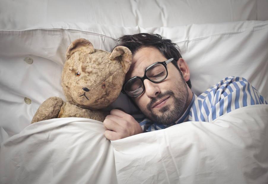 8 πράγματα που συμβαίνουν στο σώμα μας όταν κοιμόμαστε