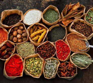 5 συνηθισμένα βότανα και μπαχαρικά για μείωση του βάρους
