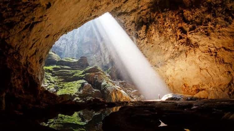 Η σπηλιά των ψιθύρων