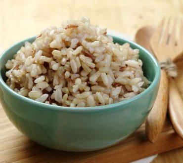 Καστανό ρύζι: 7 εκπληκτικά οφέλη του στην υγεία μας
