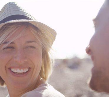Πώς μπορεί το γέλιο να σου αλλάξει τη ζωή γρήγορα και απλά