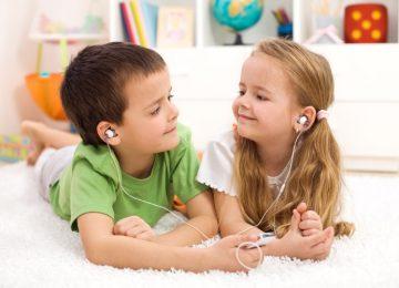 Πώς να εμπνεύσετε τα παιδιά σας να μοιράζονται