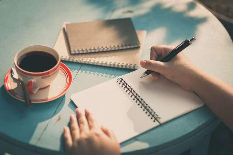 Γιατί οι άνθρωποι που γράφουν είναι εξαιρετικά ευφυείς (σύμφωνα με την επιστήμη)