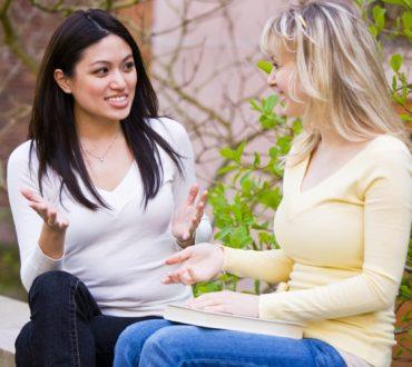 18 συμβουλές που θα διευκολύνουν την επικοινωνία σας με τους άλλους