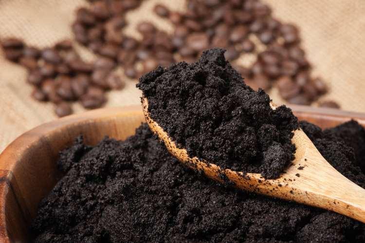 15 έξυπνοι λόγοι για να μην πετάτε ποτέ τους χρησιμοποιημένους κόκκους καφέ!