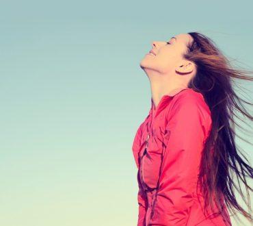 5 απλά βήματα για βελτίωση της φωνής και της επικοινωνίας