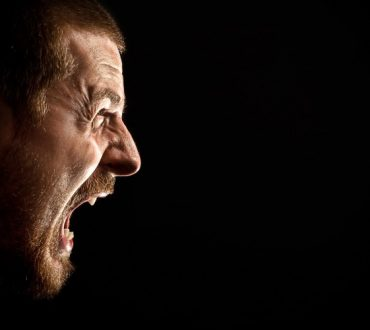 """Η αιτία του θυμού και οι 3 """"μαγικές"""" λέξεις που την εξαλείφουν"""
