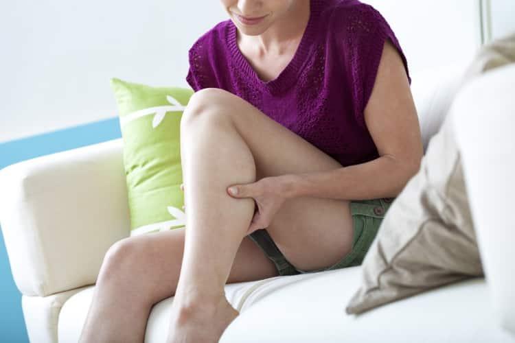 6 απλές ασκήσεις για να μειώσετε αποτελεσματικά τον πόνο των ποδιών