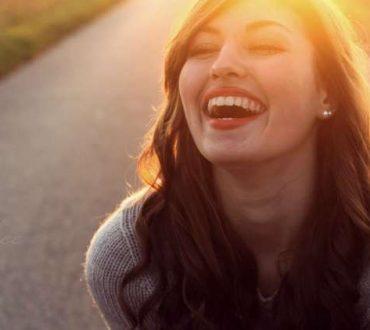 Γιατί το γέλιο βελτιώνει την υγεία μας;