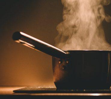 Πώς φτιάχνεις παστίτσιο με μπακαλιάρο και μπρόκολο!