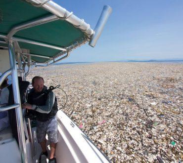 Η «Θάλασσα των πλαστικών»: Σοκαριστικές εικόνες από την ανθρώπινη παρέμβαση στην Καραϊβική