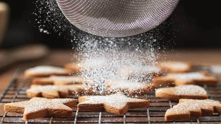 Εύκολες χριστουγεννιάτικες συνταγές για μπισκότα και κράκερ