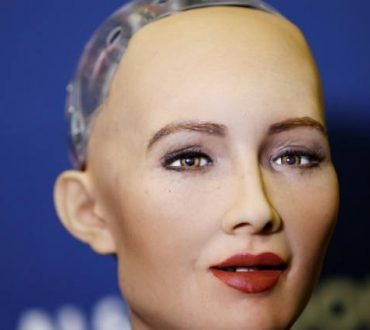 Σοφία: Το πρώτο ανθρωπόμορφο ρομπότ με Αραβική ιθαγένεια