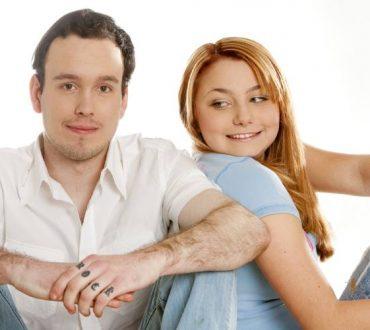 Οι 3 ερωτήσεις που μπορεί να σώσουν τη σχέση σας