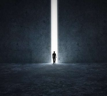 «Αυτόν που οι θεοί αγαπούν, πεθαίνει νέος»: 10 αποφθέγματα για το... θάνατο