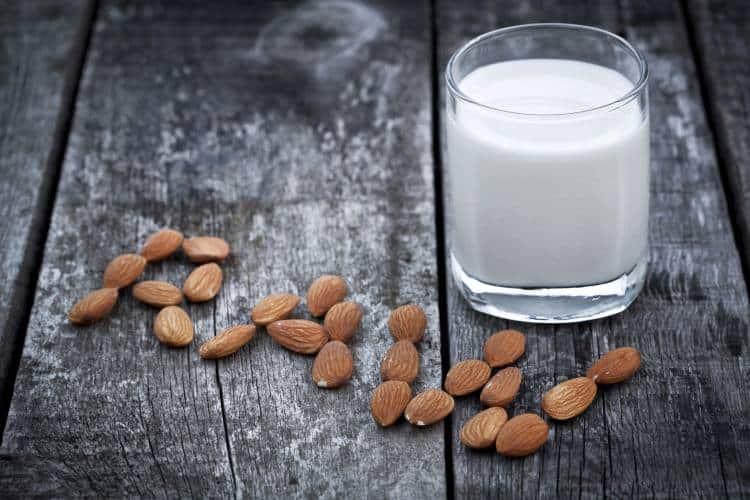Γάλα αμυγδάλου: Εύκολο, γρήγορο και υγιεινό (Συνταγή)