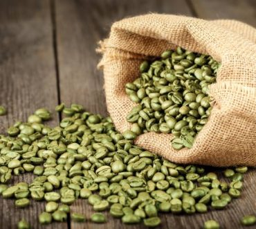 Κόκκοι πράσινου καφέ: 8 οφέλη τους στην υγεία μας