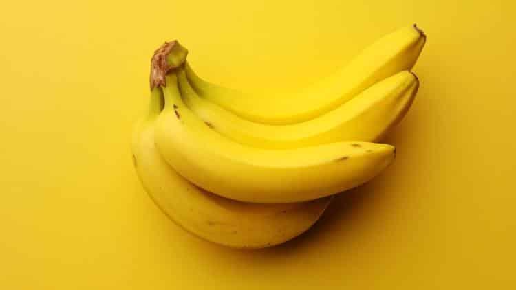 9 πράγματα που συμβαίνουν στο σώμα μας όταν τρώμε μπανάνα