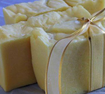 Ένας απλός τρόπος για να φτιάξετε αρωματικό σαπούνι της αρεσκείας σας