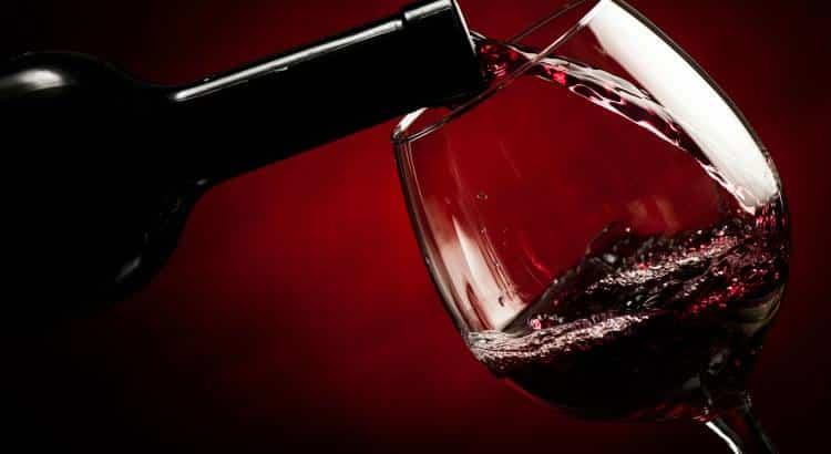 Το κόκκινο κρασί προστατεύει τη στοματική μας υγεία, σύμφωνα με έρευνα