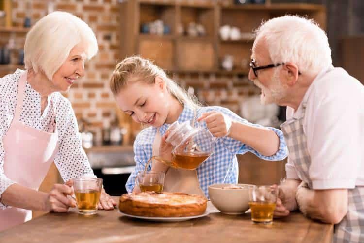 Παππούς και Γιαγιά: Οι «Θησαυροί» της Οικογένειας