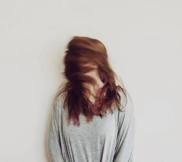 Πώς να σταματήσετε να απορροφάτε την αρνητική ενέργεια των άλλων