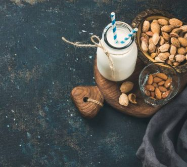 Τα 6 καλύτερα φυτικά υποκατάστατα του γάλακτος