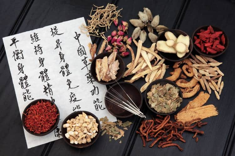 Παραδοσιακή Κινεζική ιατρική: Ένα αρχαίο, αλλά και απόλυτα σύγχρονο θεραπευτικό σύστημα