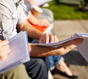 """Το άγχος των εξετάσεων: Γιατί το """"μην αγχώνεσαι"""" είναι η χειρότερη συμβουλή"""