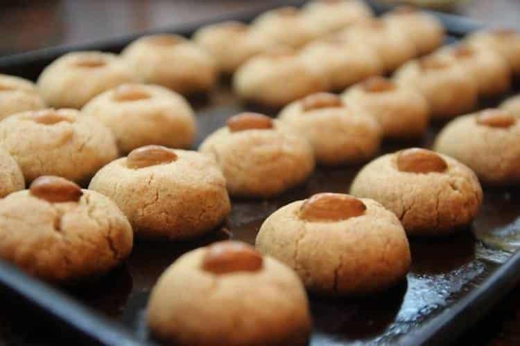 Συνταγή: Μπισκότα βουτύρου με αμύγδαλα και μέλι