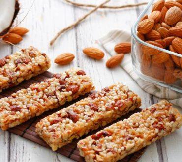 Συνταγή: Ενεργειακή μπάρα δημητριακών με αμύγδαλο και μέλι
