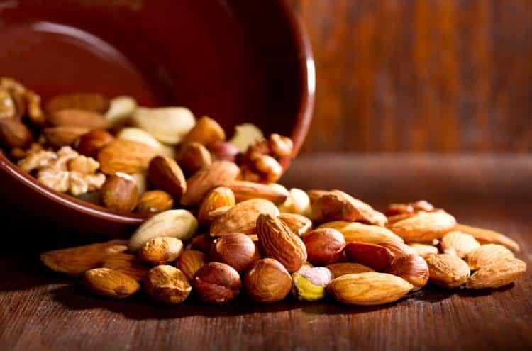 4 τροφές που μειώνουν αποδεδειγμένα τη χοληστερόλη