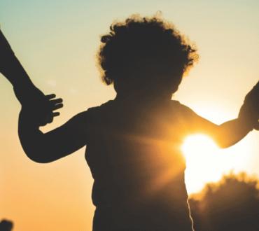 Τα παιδιά δεν οφείλουν στους γονείς περισσότερα από αυτά που οφείλουν οι γονείς στα παιδιά