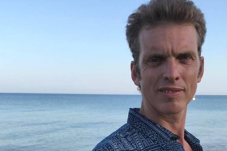 Stephan: Ένας Γάλλος θεραπευτής που μένει στην Ελλάδα και μαγεύει με τις γνώσεις του για τα ελληνικά βότανα