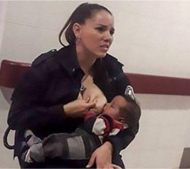 Αστυνομικός θηλάζει εν ώρα εργασίας εγκαταλελειμμένο και υποσιτισμένο μωρό