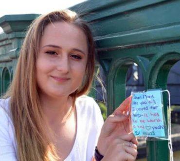 Τα σημειώματα μιας έφηβης σε γέφυρα της Αγγλίας σώζουν ζωές