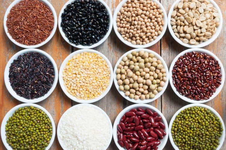 7 τροφές που προκαλούν φούσκωμα και εναλλακτικές επιλογές