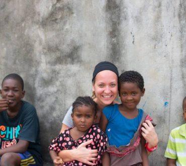 Δήμητρα Νικολάου και willing2help: Χτίζοντας ορνιθοτροφείο στην Τανζανία και υδραγωγείο στην Κένυα