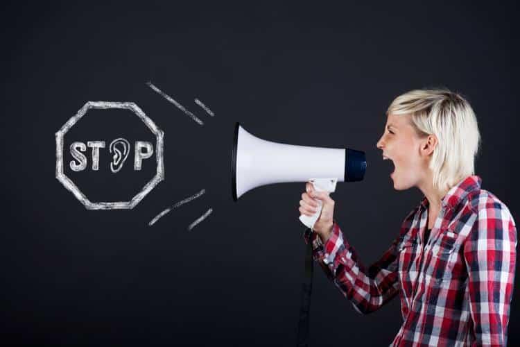 Η φωνή σε κάνει να χάνεις τη δύναμή σου