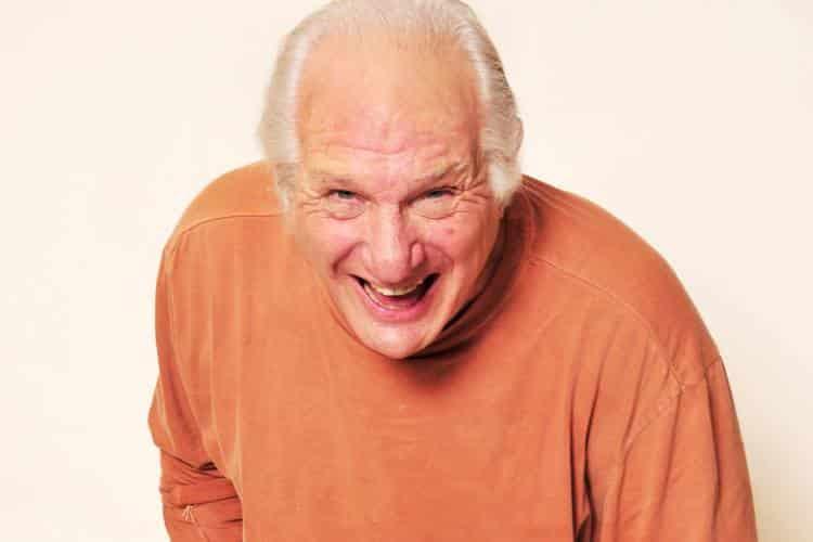 Η σοβαρότητα είναι ασθένεια! - Συνέντευξη με τον θεραπευτή του γέλιου και της Gestalt Lenny Ravich
