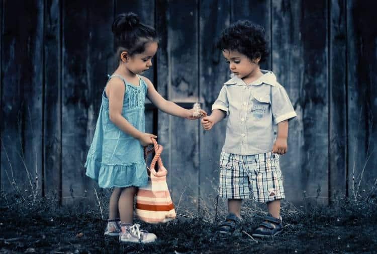Όταν προσφέρεις αγάπη, μην περιμένεις ανταπόδοση... απλά αγάπα