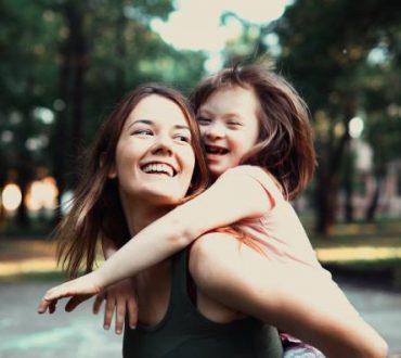 Τα παιδιά με ειδικές, ξεχωριστές δυνάμεις διδάσκουν γνώση. Αυτή της ζωής!