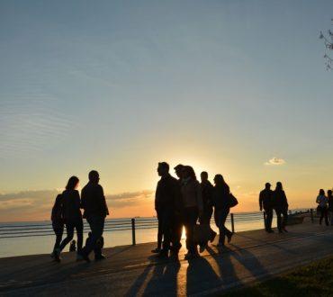 Η θεωρία της κοινωνικής απόδοσης: Πώς ερμηνεύουμε τις συμπεριφορές των ανθρώπων γύρω μας