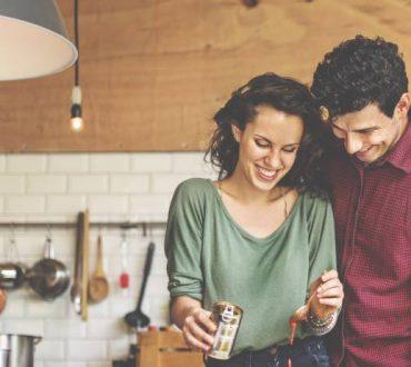 12 tips που διώχνουν την ανία και ξυπνούν την ερωτική σας ζωή