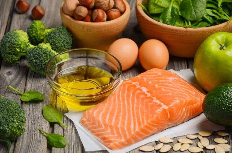 10 τροφές που ενισχύουν την υγεία της επιδερμίδας μας