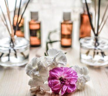 Αιθέρια έλαια: Συμβουλές για αποτελεσματική χρήση σε ένα χαλαρωτικό μπάνιο