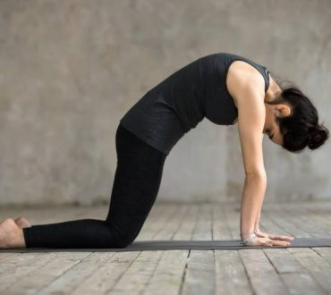 10 ασκήσεις για να ενδυναμώσουμε τη μέση μας