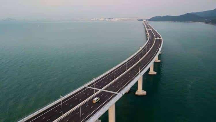 Η μακρύτερη θαλάσσια γέφυρα στον κόσμο μόλις άνοιξε στο Χονγκ Κονγκ της Κίνας (φωτογραφίες)